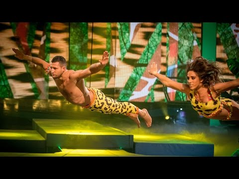 Carl Froch and Sita Bhuller's Trapeze performance to 'Timber' - Tumble: Grand Final - BBC One