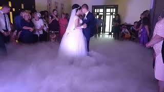 Первый танец в облаках счастья