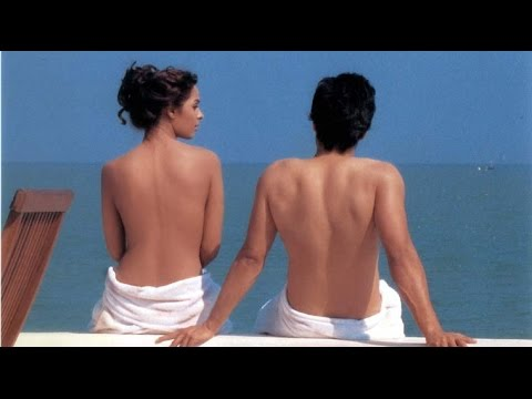 Mallika Sherawat goes topless - Viral Video Of Malika Sherawat