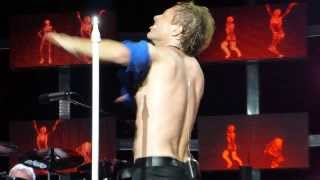 Jon Bon Jovi shirtless @Gillette stadium 2013