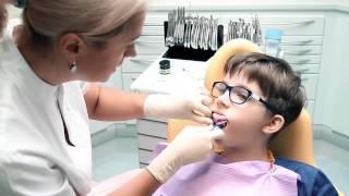 Секреты голливудской улыбки от эксперта!(Хочешь получить консультацию эксперта? http://www.irinaberezovskaya.com 02:28 Мне очень приятно наблюдать, как меняются..., 2014-12-10T18:29:03.000Z)