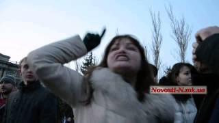Видео Новости-N: истерика по поводу сноса памятника Ленину(, 2014-02-22T18:54:32.000Z)