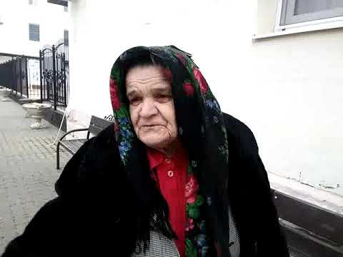 бабка читает свои стихи о России и про Россию