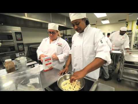 Disney Chef Teaches Baking Class at Valencia College