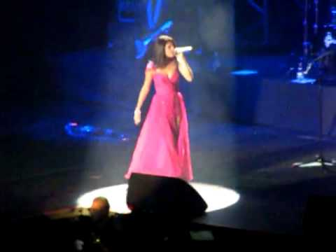 Naturally - Selena Gomez  The Scene live in Chile 2012