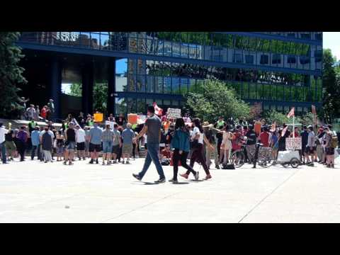 Protest groups clash in Calgary