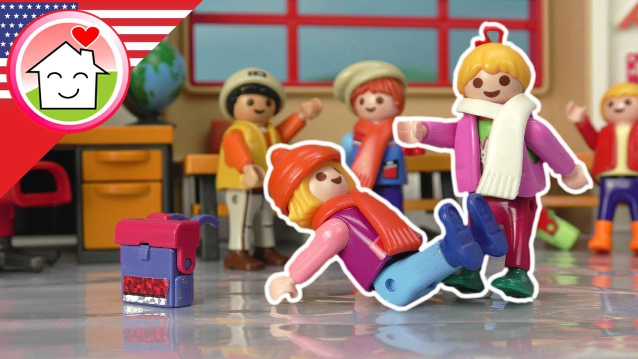 Playmobil English - Cold Day - The Hauser Family