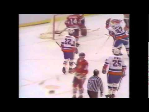 Game 1 1979 Quarter-Final Black Hawks @ Islanders Channel 4 highlights