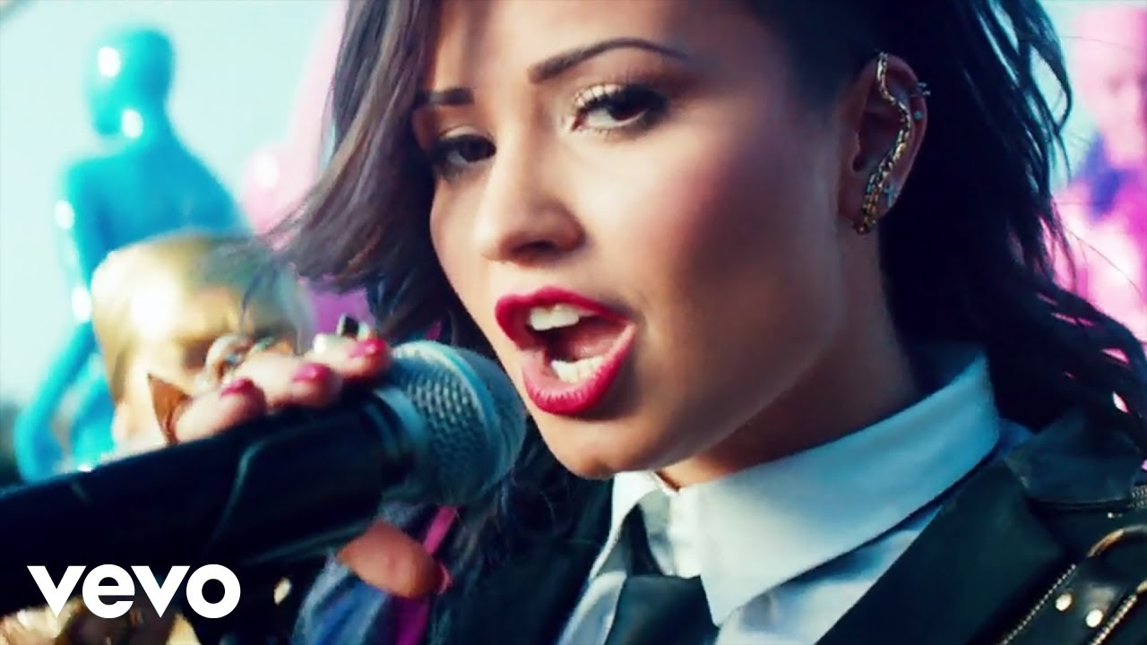 demi-lovato-really-dont-care-official-video-ft-cher-lloyd-demilovatovevo
