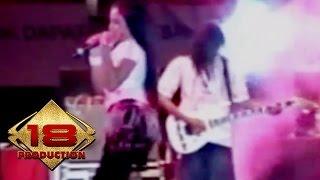 Video Dangdut - Lima Menit Lagi (Live Konser Kediri 16 Agustus 2006) download MP3, 3GP, MP4, WEBM, AVI, FLV Maret 2017