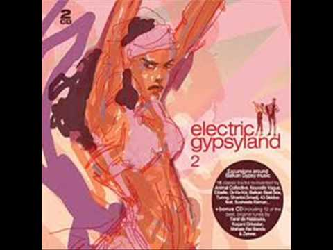 Romano Dance @ DJ Click (Electric Gypsyland 2_Disk 1)