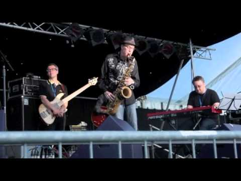'Cold Heart' (sax snippet) - Jo Harman and Company with guest Fred Vigdor (Freddy V)
