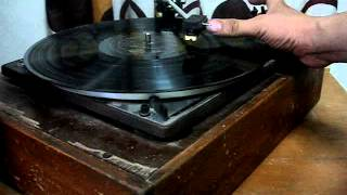 How To Play A Locked Groove On An Automatic Turntable