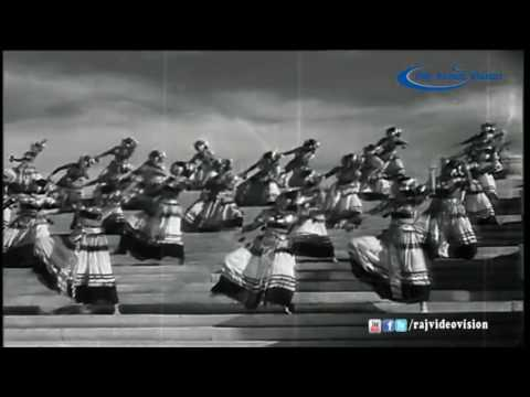 Chandralekha - Drum Dance and Sword Fight