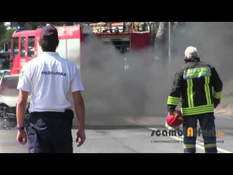 Auto a fuoco | Cisterna di Latina