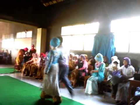 Fashion Show Hari Kartini SMK Yafalah Ginggang Gubug Part 16