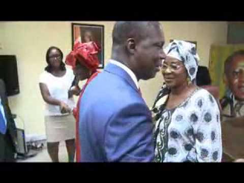 Culture: la diva Aïcha Koné présente au ministre de la culture son projet