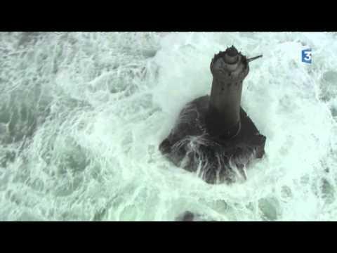 Tempête en Mer d Iroise - YouTube