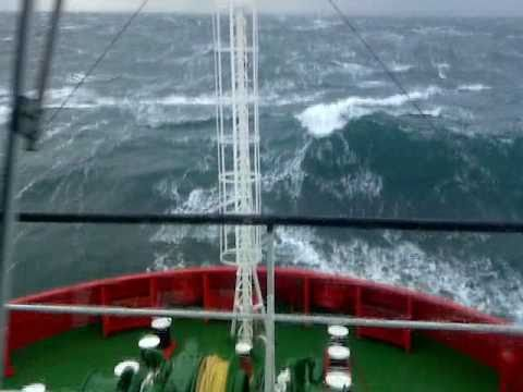 "Offshore-Incredible waves-Heavy storm on the North  Sea / Vroon PSV ""Supply Express"" / 09-Nov-2010"