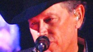 George Strait performing I Ain