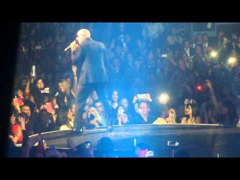 Pitbull - Oh baby baby (Bakersfield, Ca)