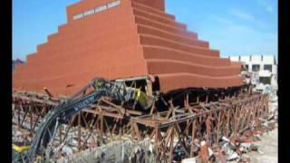 Demolizione Piramide Palababele Cantù thumbnail