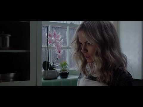 En el ático - Trailer Oficial