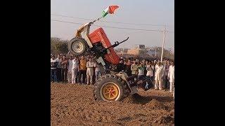 चलते ट्रैक्टर से नीचे कैसे उतरा Stunt Man Subhash Swaraj 855 FE tractor Stunt