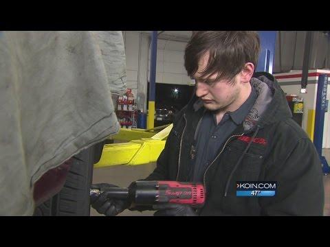 Membership-only auto shop cuts car repair costs
