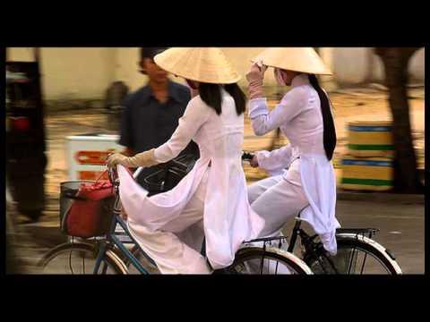 Bonjour Vietnam - Pham Quynh Anh [HD Video]