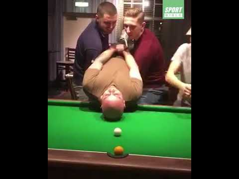 Snooker Funny clip playing with mens head