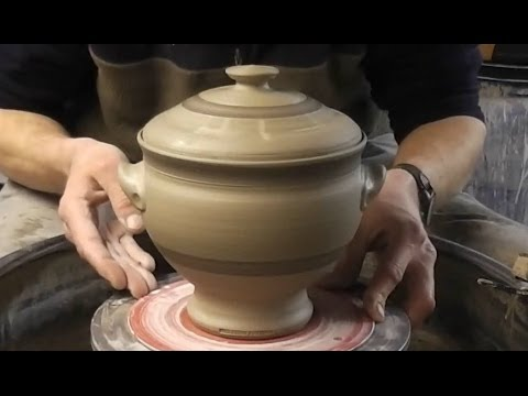 Throwing / Making a Lidded Pottery Soup Tureen / Terrine on the Wheel