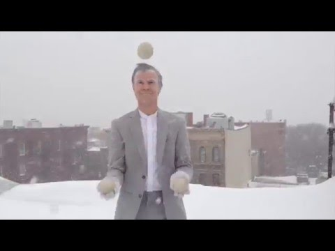 Weber Yo-yo in the Snow-Snow