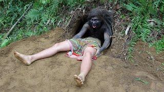 Primitive Life - Forest People Dig House Underground - Meet Ethinc Girl Find Food