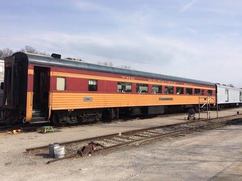 cincinnati-dinner-train-takes-people-back-in-time