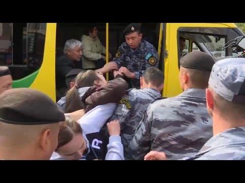 شاهد: اعتقالات عشوائية في كازاخستان خلال مظاهرات مناهضة للحكومة…  - 06:53-2019 / 9 / 22