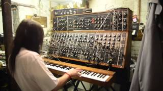 'AquaTarkus' solo - from ELP's WBMFTTSTNE - on Modular Moog (and built-in Minimoog)
