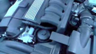 320i 6 cylindres avec clic moteur