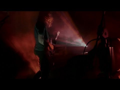 A Place To Bury Strangers - In Your Heart / Ocean