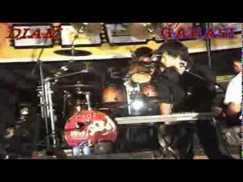 Free Download Garasi Band Live - Diam Mp3 dan Mp4