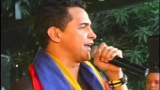 """Jorge Celedón interpretando """"Camino Largo"""" en Rio Luna"""