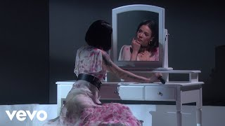 Download Halsey - Graveyard (Live On The Ellen Show) Mp3 and Videos
