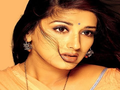 Bollywood Actress Sonali Bendre's Cute Pics Travel Video