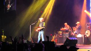 Alan Jackson Shes Gone Country live in Bloomington Illinois