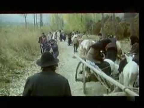 Undeva in est - film romanesc