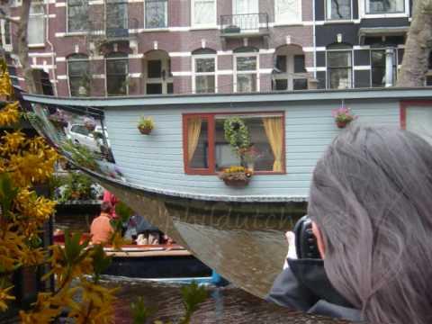 amsterdam bett und fr hst ck hausboot hotel youtube. Black Bedroom Furniture Sets. Home Design Ideas