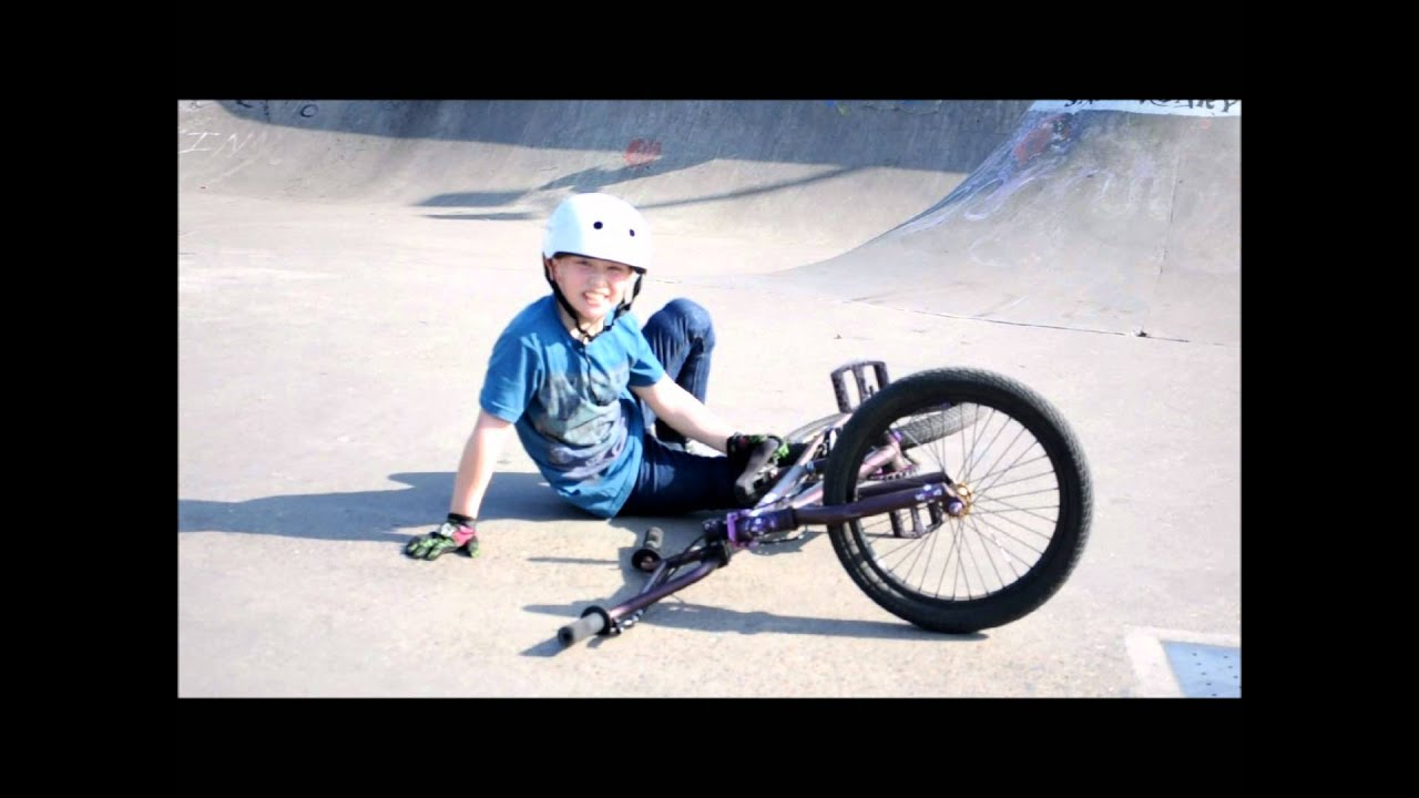 Epic Bmx's 7 year old rider Max Vu at Liberty sk8park - YouTube