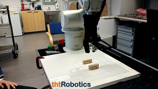 Adaptive Robotic Gripper. Grasping glass object (medicine container)