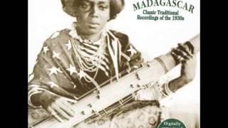Hira Malaza Taloha - Eny rodorodoy ny famindra (Music of Madagascar, Yazoo Rec)