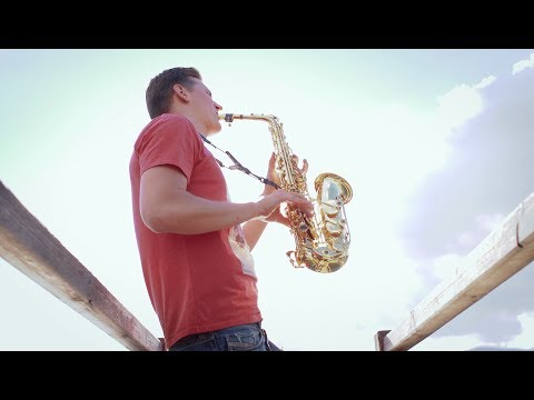 Despacito - Louis Fonsi ft. Daddy Yankee [LED Sax Cover by SAXMANIA]